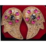 Rumbing Emas (brass ear clips with artificial diamonds)